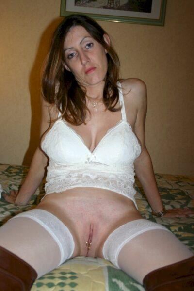 Belle femme mature coquine intéressée par un plan sexe