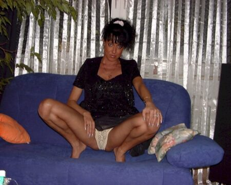 Femme coquine soumise pour libertin qui aime soumettre