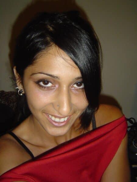 Femme infidèle sexy vraiment très chaude recherche un gars accueillant