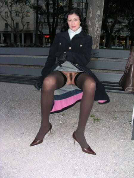 Je cherche un homme docile pour faire un plan q sur Aix-les-Bains