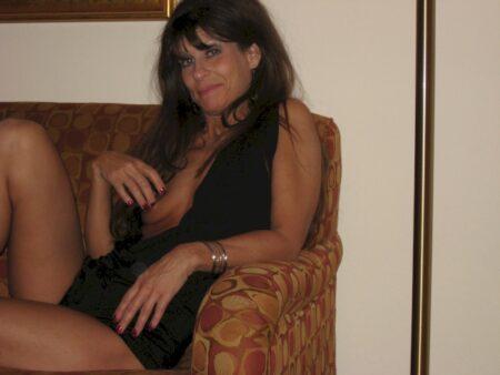 Rencontre sexy entre adultes avec de l'expérience pour une femme mature coquine