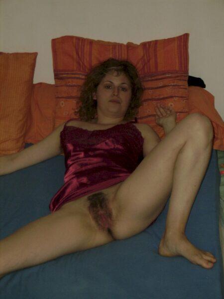Très jolie femme seule qui a envie d'un plan sexe